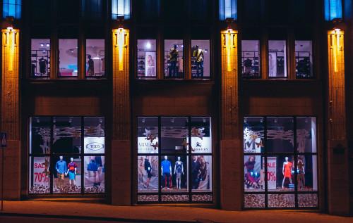retail-night
